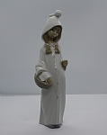 Estate Lladro Young Girl Dressed In Long Hooded Robe